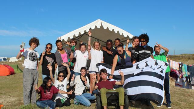 http://www.laligue22.org/IMG/jpg/les-jeunes-au-secours-du-patrimoine-3.jpg